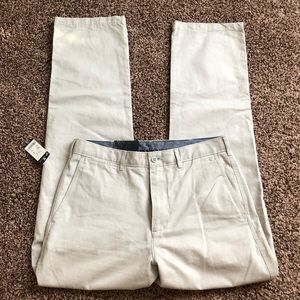 NWT Madison Flat-Front Twill Chino Pants